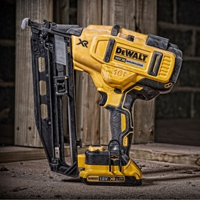 New Dewalt 2nd Fix Brushless Nailer