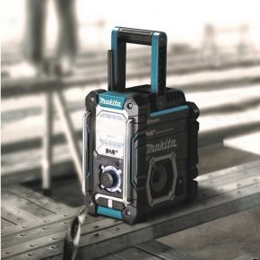 Makita radio DMR112, featuring DAB and Bluetooth