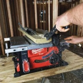 Milwaukee cordless table saw, for powerful and precise cuts