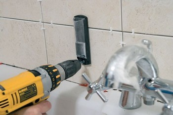 Dewalt DT6045-QZ 25mm Diamond Tile Drill & Water Delivery System