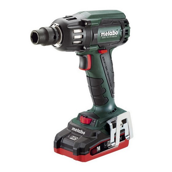 METABO SSW18 LTX 18V BRUSHLESS HIGH TORQUE IMPACT WRENCH WITH 2X LiHD 3.1AH LI-ION BATTERIES