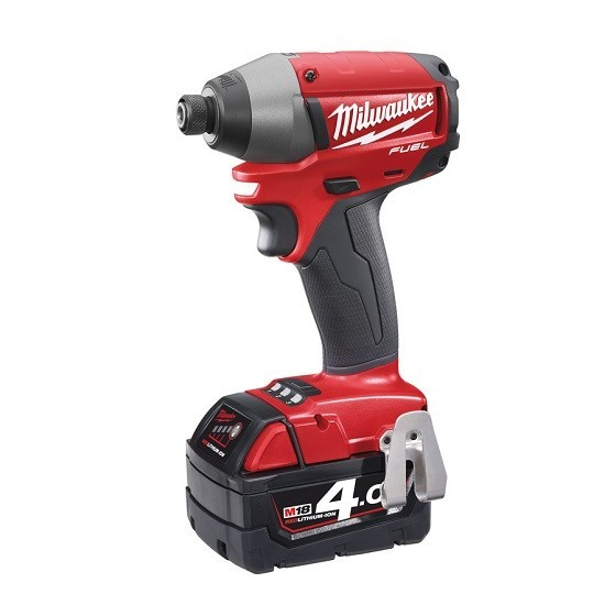 MILWAUKEE M18CID-402 18V IMPACT DRIVER WITH 2X 4.0AH LI-ION BATTERIES