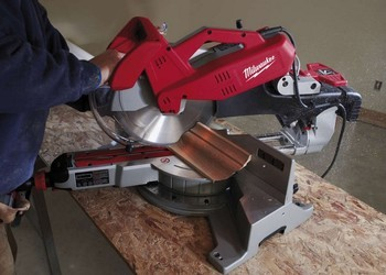 MILWAUKEE MS305-DB 305mm DOUBLE BEVEL MITRE SAW 110V + MSUV275 TELESCOPIC LEGSTAND