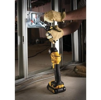 DEWALT DDCL040 DCL040 XR TORCH 18 Volt SUPPLIED BARE UNIT NO BATTERY OR CHARGER